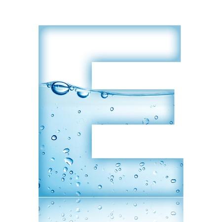 반사 편지 E와 물과 거품 알파벳 문자 스톡 콘텐츠