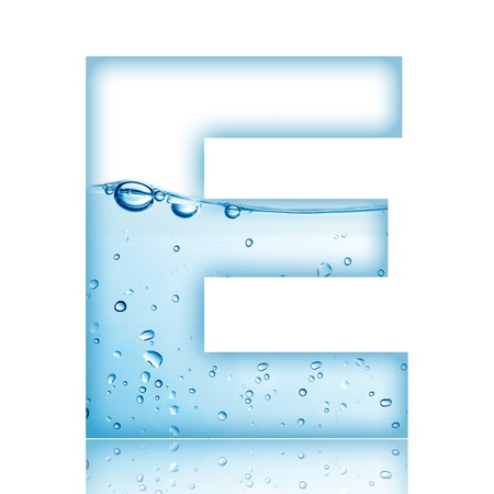 carta: Agua y letra del alfabeto burbuja de agua con la reflexión de la letra E Foto de archivo