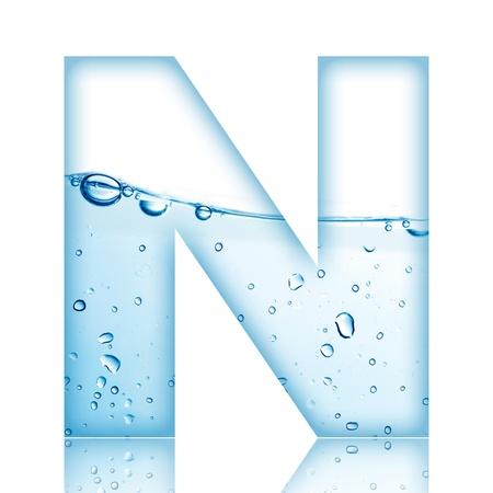 carta de agua liquida: Agua y letra del alfabeto burbuja de agua con la reflexi�n de la letra N