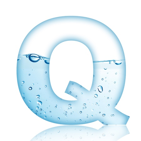 Water en water bubble letter van het alfabet met reflectie Letter Q Stockfoto