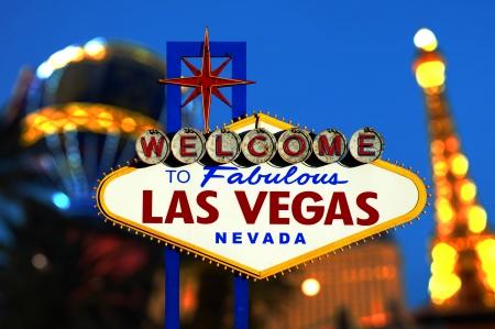 lembo: Benvenuti a Las Vegas segnale di neon con bokeh di luce Nevada, Stati Uniti d'America