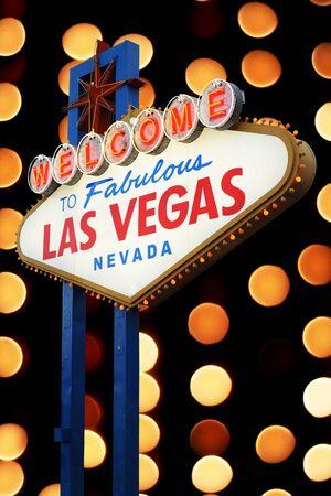 las vegas night: Welcome To Las Vegas neon sign with bokeh of light  Nevada, USA