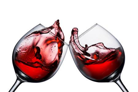 레드 와인 유리 건배와 와인 스플래시