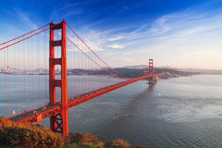 portones: Puente Golden Gate. San Francisco, EE.UU.. Foto de archivo