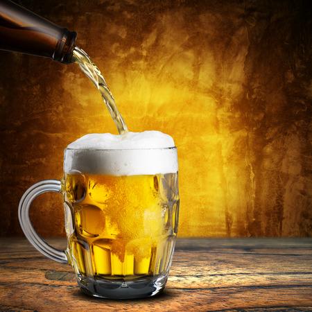 Vaso de cerveza fría Foto de archivo - 35470084