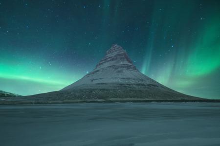 マウント Kirkjufell、アイスランド