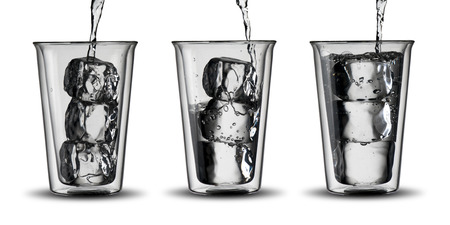 welling: Glasses of Water with ice cubes