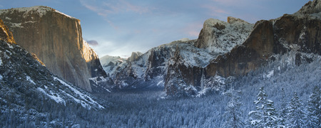 tunnel view: Yosemite National Park Valley from Tunnel View Stock Photo