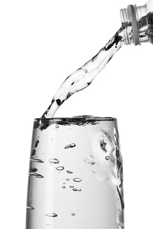 welling: Water Pour To Glass