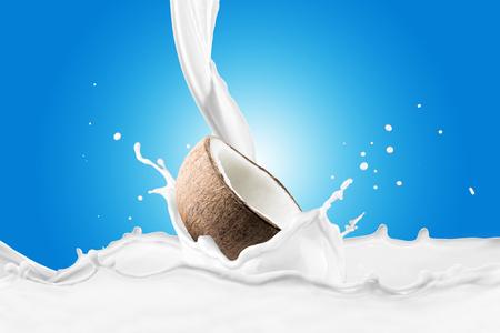 Fresh Coconut With Milk Splash 版權商用圖片