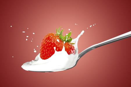 Strawberry With Milk Splash Standard-Bild