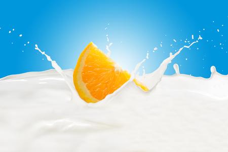 Orange With Milk Splash 版權商用圖片
