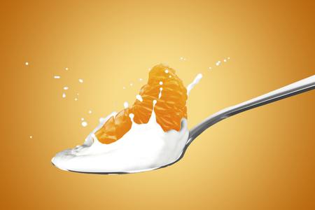 Orange With Milk Splash 版權商用圖片 - 107909137
