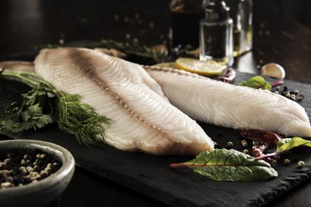 Fish Fillet With Ingredients 版權商用圖片 - 107909142