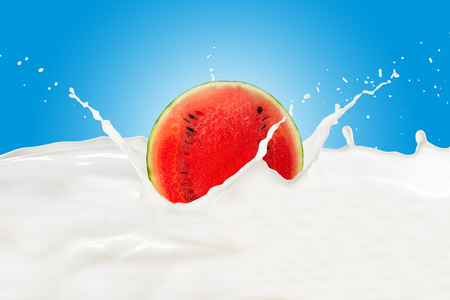Watermelon With Milk Splash 版權商用圖片 - 107909281