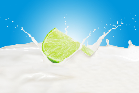 Lime With Milk Splash Standard-Bild