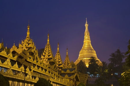 Shwedagon Pagoda Paya Temple shining at night in Yangon, Myanmar  Burma  Asia  版權商用圖片