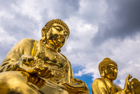 mit: Bangkok, Thailand - Aug 7, 2015 Out door setting of golden Buddha at Wat Trai Mite or Trai Mit Temple. Editorial