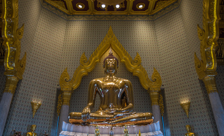 mit: Bangkok, Thailand - Aug 7, 2015 The biggest golden Buddha of Asia at Wat Trai Mite or Trai Mit Temple.
