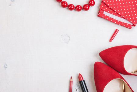 패션 여자의 아직도 인생입니다. 여성 화장품 배경입니다. 필수 패션 여성 개체의 오버 헤드