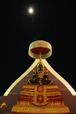 Night Indra statue  Wat Thaton