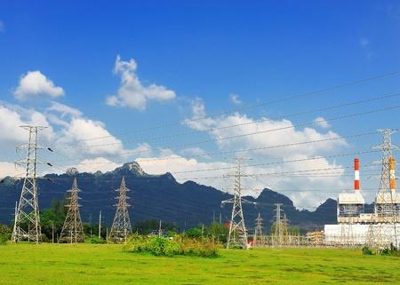 Alta tensión poste de energía
