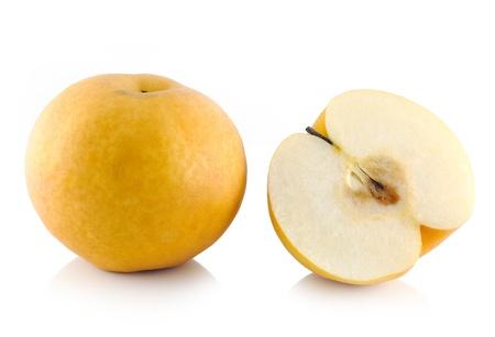 pera: asian-pera la fruta en el fondo blanco Foto de archivo