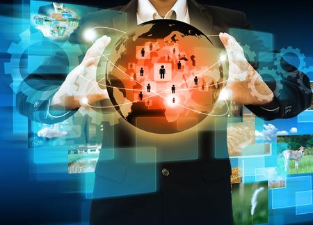 trabajo social: El hombre de negocios trabaja con la Red Social