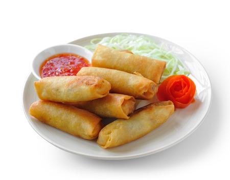 Fried chino tradicional primavera rollos de alimentos en el fondo blanco