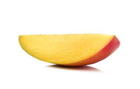 mango: plaster mango na białym tle