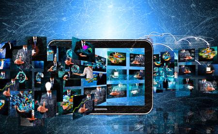 ver television: La televisi�n y la producci�n internet .technology y concepto de negocio en el viejo textura Foto de archivo