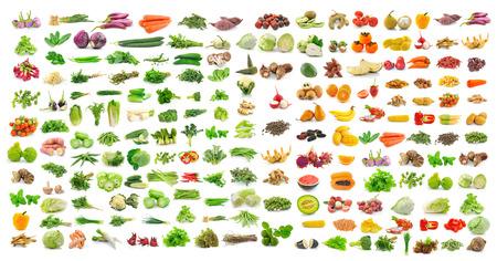 verduras: conjunto de vegetales y frutas en el fondo blanco