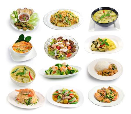 plato de comida: conjunto de comida tailandesa en el fondo blanco