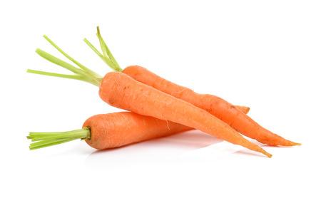 zanahorias: zanahorias bebé aislados en un fondo blanco