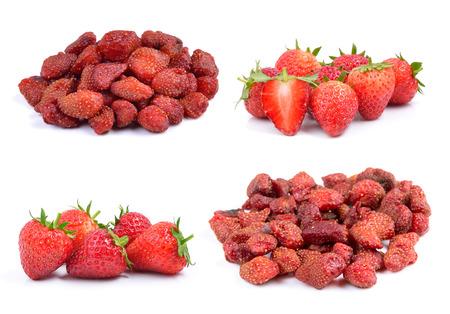 frutas secas: Fresa y fresas secas aislados en un fondo blanco Foto de archivo