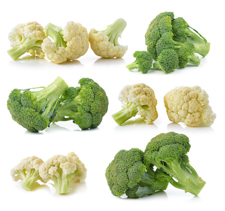 Broccoli and fresh cauliflower isolated on white background Banque d'images