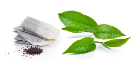 Sachet de thé et le thé isolé sur fond blanc Banque d'images - 46516868