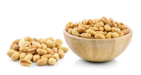 Cacahuètes sur fond blanc  Banque d'images - 47729297