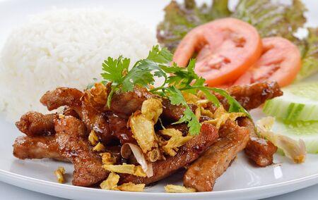 crunchy: Thai style food, pork fried with crunchy garlic