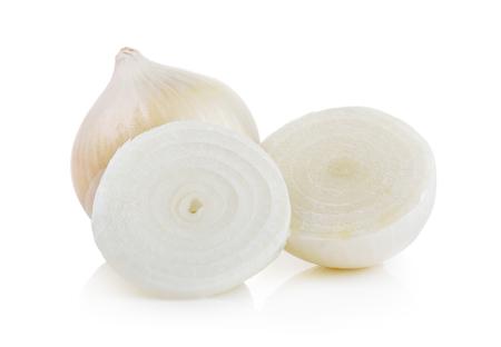 cebolla blanca: cebolla blanca sobre fondo blanco