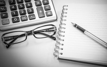 articulos de oficina: conocimiento de los negocios con gafas y art�culos de oficina