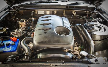 Open hood on 2500cc.diesel turbo engine pickup truck in detail, Backgrounds Stockfoto