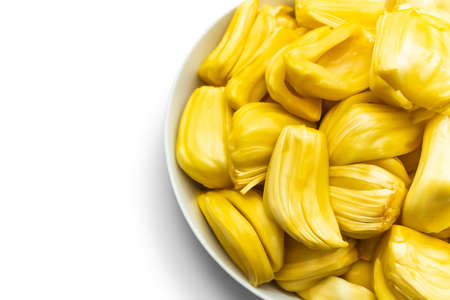 Jackfruit in a white bowl isolated on white background Banque d'images