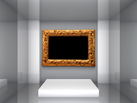 Empty picture frame in the gallery Stock Photo - 15101253