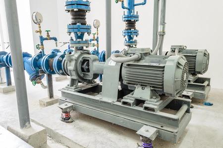 tuberias de agua: bomba de agua del motor y las tuber�as de agua
