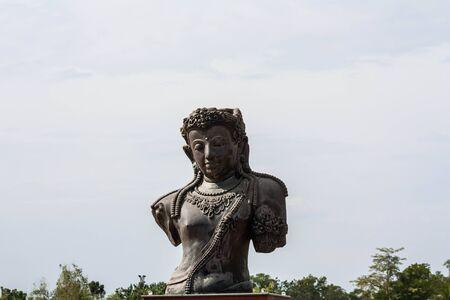 Buddha nel tempio Sinheungsa al Parco Nazionale Seoraksan Archivio Fotografico