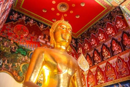 The gigantic reclining Buddha of Wat Pho in Bangkok
