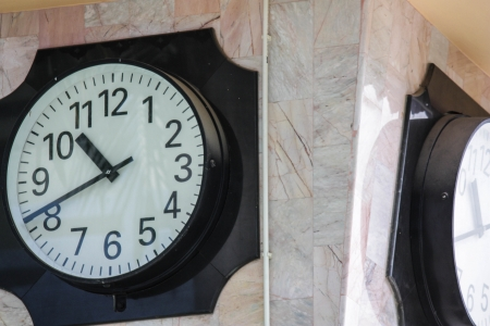 12 oclock: Vintage wall clock with clipping path