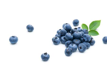 Blueberry fruit on a white background Foto de archivo - 152341411