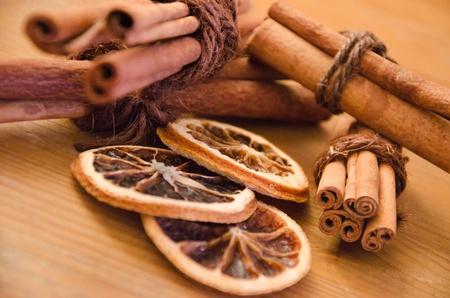 christmas scent: Cinnamon sticks and some citrus decoration
